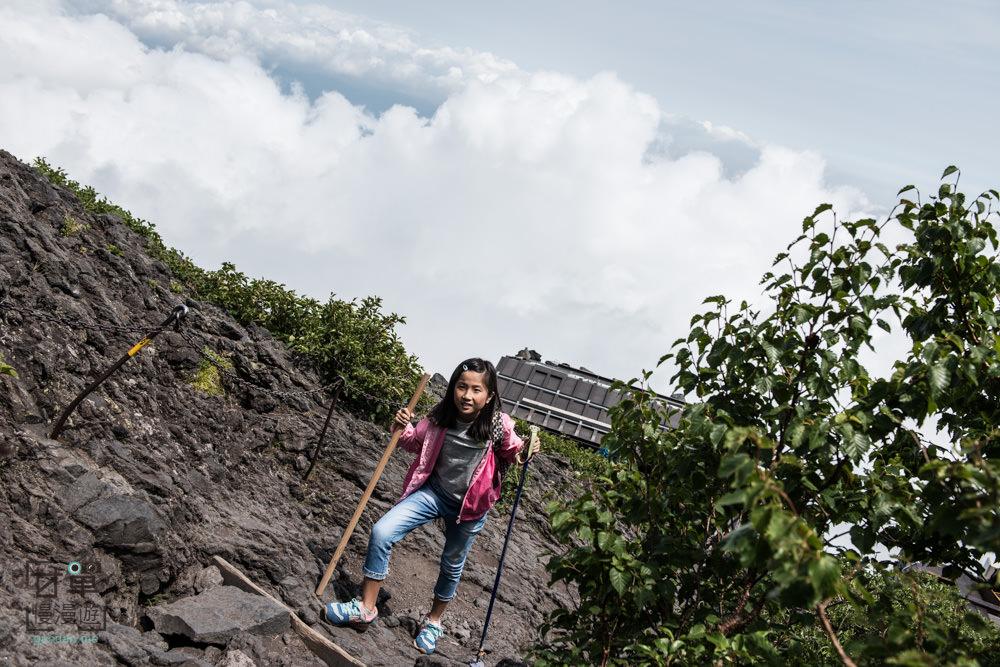 climb-MtFuji-90